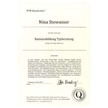 Zertifikat- Nina Stowasser- Basisausbildung Typberatung 2015